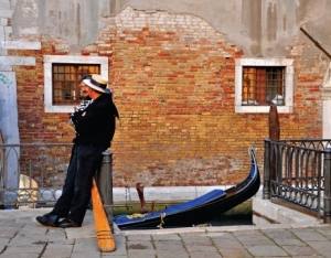 Gondolier Chit Chat