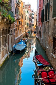 Intimate Canal